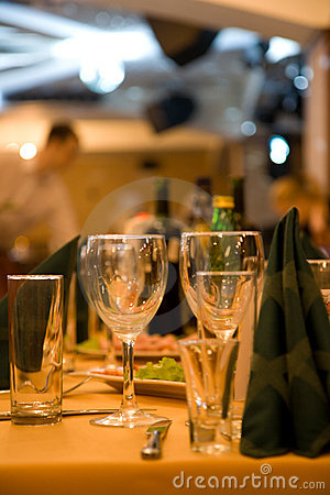 Fine dining set table stock photo image 4143190 for Fine dining table setting