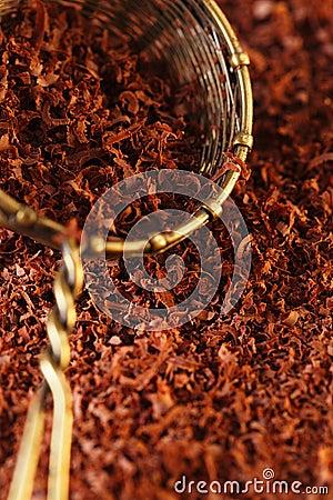 Fine grated chocolate 100  dark in sieve