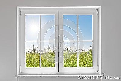 Finestra chiusa bianca con il sole immagine stock immagine 31452991 - La finestra biz ...