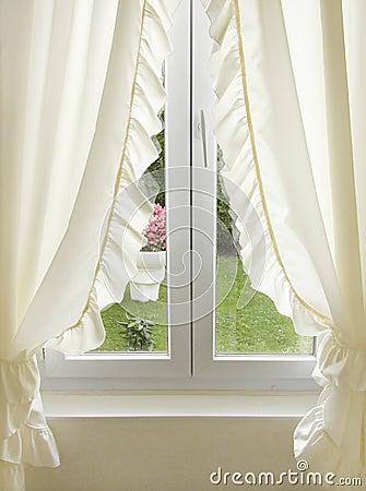 Finestra con le tende immagine stock immagine 6201701 - Tende per finestra ...