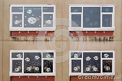 Finestre di natale di vecchia scuola del villaggio fotografia stock immagine 66338862 - Finestre di natale ...