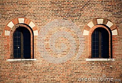 Finestre medioevali particolari di architettura - Finestre castelli medievali ...