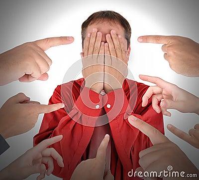 Finger, die mit Schuld-Schande zeigen