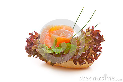 Finished bread with salmon