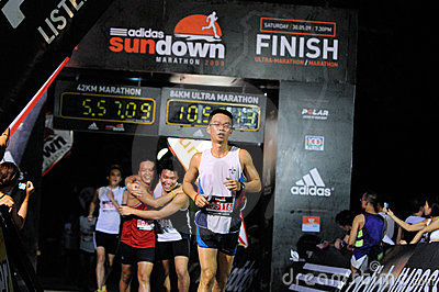 Editorial Image: Finishers at the Adidas SUNDOWN MARATHON 2009