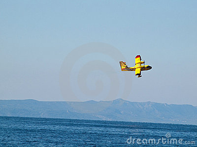 Fire fighter airplane in action