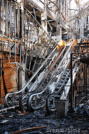 Free Fire Gutted Mall And Cinema In Bangkok Stock Photo - 14757170