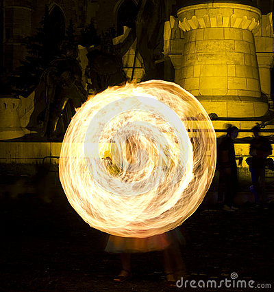 Free Fire Juggling And Fire Swirls Royalty Free Stock Images - 25069919