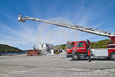 Fire truck (ladder car)