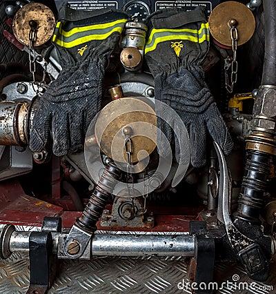 Firefighting gloves