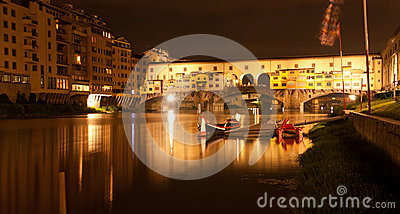 Firenze - Ponte Vecchio, Old Bridge by night, view from the rive