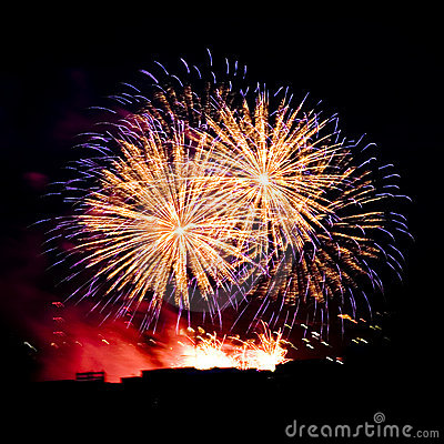 Free Firework Streaks In Night Sky, Celebration Royalty Free Stock Photos - 14911628