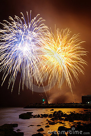 Free Fireworks Over Sea Royalty Free Stock Photography - 14856307