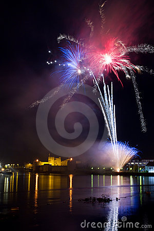 Free Fireworks Over The Castle Royalty Free Stock Image - 16745086