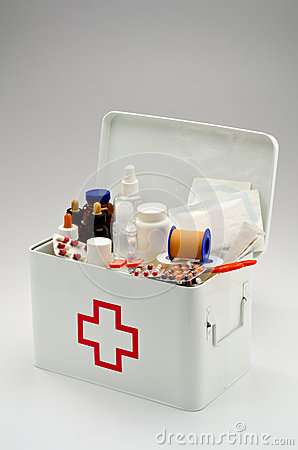 Free First Aid Box Royalty Free Stock Photos - 43462888