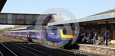 First Great Western HST in Oxford railway station Editorial Photography