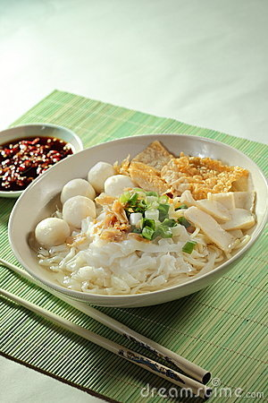 Free Fish Ball Noodle Royalty Free Stock Images - 17450369