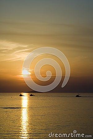Free Fisherman Boat Sunset Royalty Free Stock Images - 3004619