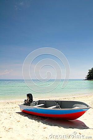 Free Fishing Boat At Beach Royalty Free Stock Photo - 17017695