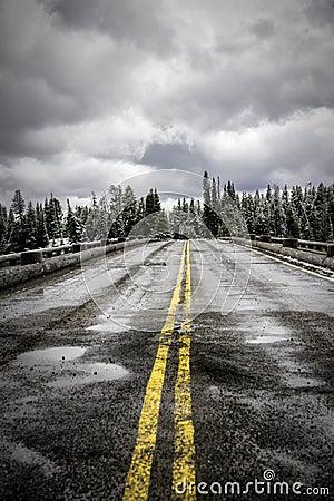 Free Fishing Bridge In Winter Royalty Free Stock Photos - 105544618