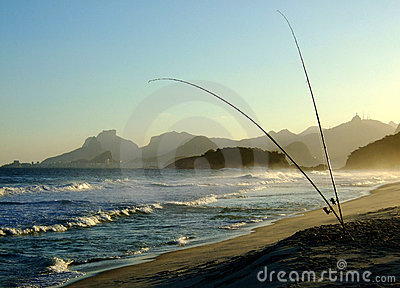 Fishing in Piratininga beach