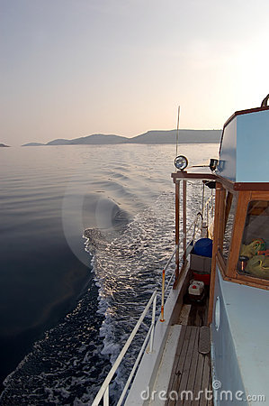 Free Fishing Series - Fishing Boat Returning Royalty Free Stock Image - 1700476