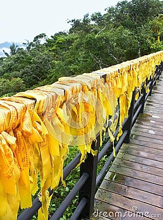 Fitas amarelas tradicionais chinesas