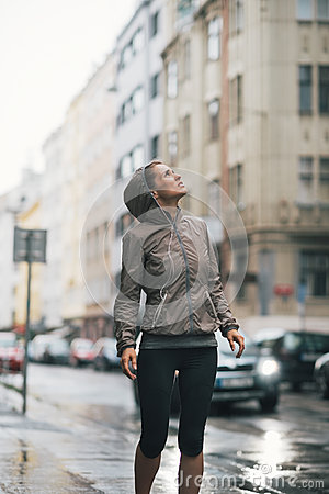 Free Fitness Woman Exposed To Rain While Jogging Royalty Free Stock Photos - 44633588
