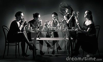 Five beauty girls tea drinking at the table