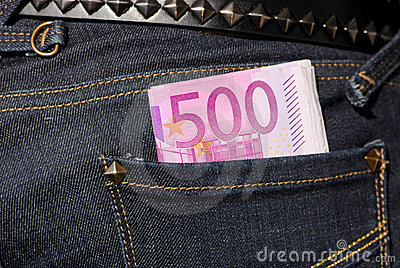 Five hundred euro notes in the pocket
