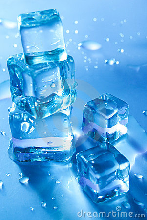 Free Five Melting Ice Cubes Royalty Free Stock Photo - 16998215