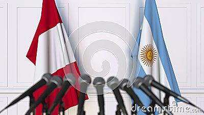Flaggen von Peru und von Argentinien bei der internationalen Sitzungs- oder VerhandlungsPressekonferenz stock video