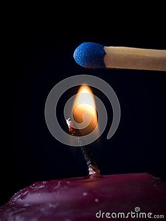 flamme de bougie avec l 39 allumette photos stock image 11581023. Black Bedroom Furniture Sets. Home Design Ideas