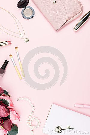 Free Flat Lay Home Office Desk. Female Workspace With Note Pad, Fashion Accessories And Make Up Products On Pink Background. Fashion Or Royalty Free Stock Photos - 112945928