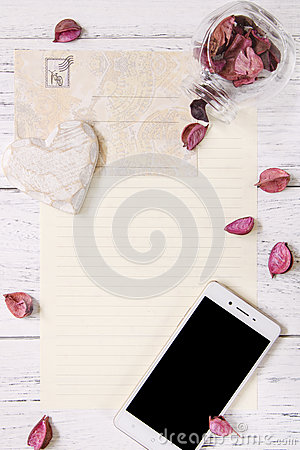 Free Flat Lay Stock Photography Purple Flower Petals Letter Envelope Stock Photos - 93137463