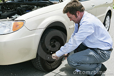 Flat Tire - Lossen Lugs