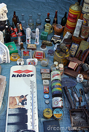 Flea market Editorial Photo
