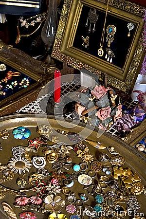 Free Flea Market - Antique Jewelry Display Royalty Free Stock Image - 15018396