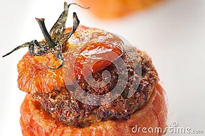 Fleisch-angefüllte Tomaten