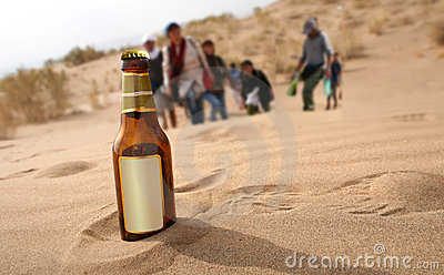 Fles in woestijn