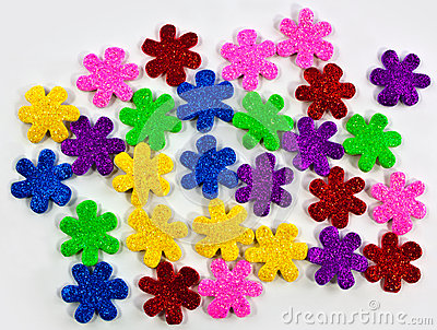 Fleurs colorées de mousse