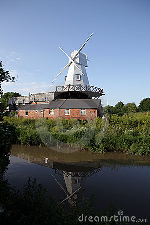 Fleuve Angleterre de moulin de moulin à vent