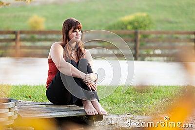 Flicka utomhus