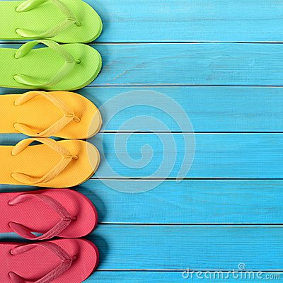 Free Flipflops Side Border Beach Background Square Royalty Free Stock Photography - 115766577