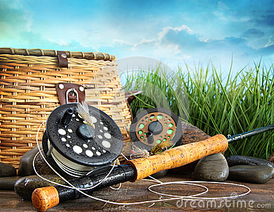 Flly fishing equipment and basket