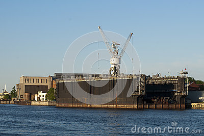 Floating dock to St. Petersburg