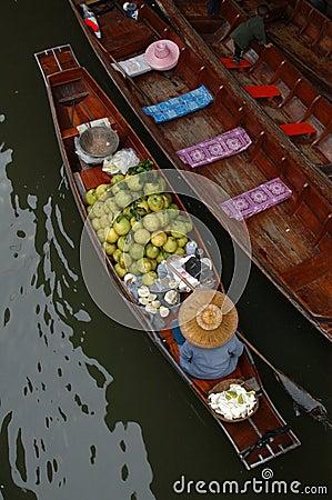 Free Floating Market Royalty Free Stock Photos - 529888