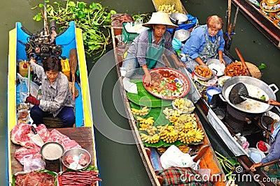 Floating markets in Damnoen Saduak, Thailand Editorial Stock Photo