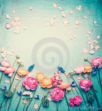 Free Floral Frame With Lovely Flowers And Petals, Retro Pastel Toned On Vintage Turquoise Background Stock Images - 93267044