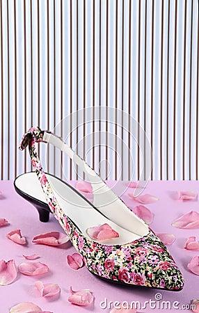 Floral pattern women shoe